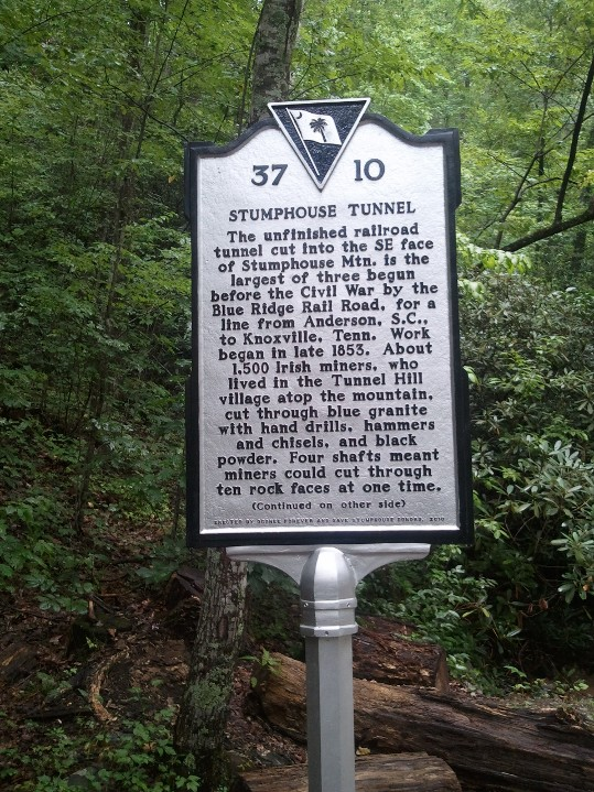 Stumphouse_Tunnel_sign,_front_side