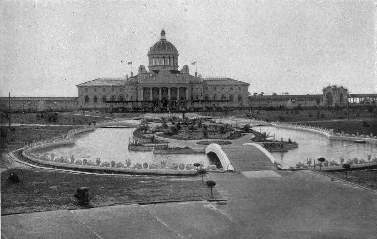 1200px-the_cotton_palace_and_the_sunken_garden_at_the_south_carolina_inter-state_and_west_indian_exposition