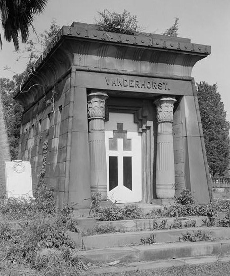Magnolia_Cemetery,_Van_der_Horst_Mausoleum,_Cunningham_Avenue,_Charleston_(Charleston_County,_South_Carolina)